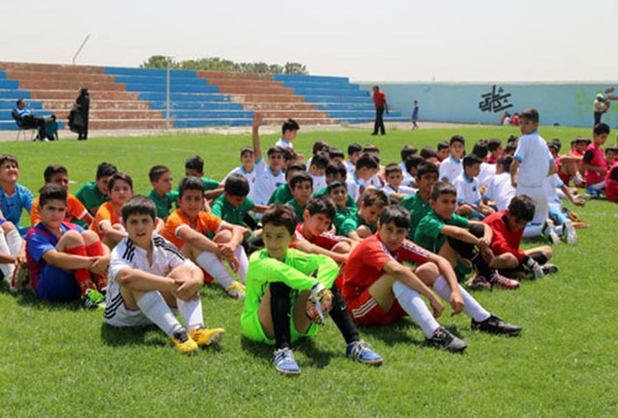 مجوز فعالیت ۱۶ مدرسه فوتبال در استان صادر شد+اسامی