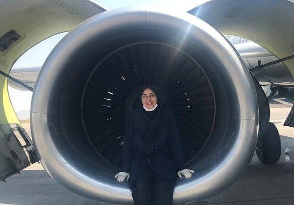 تنها زنِ مهندس تعمیرات هواپیما در ایران