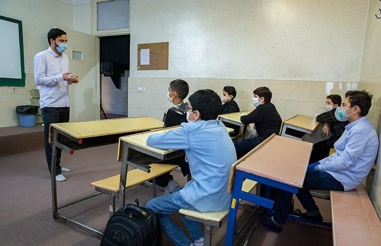 حضور دانش آموزان بوشهری در مدرسه اجباری نیست