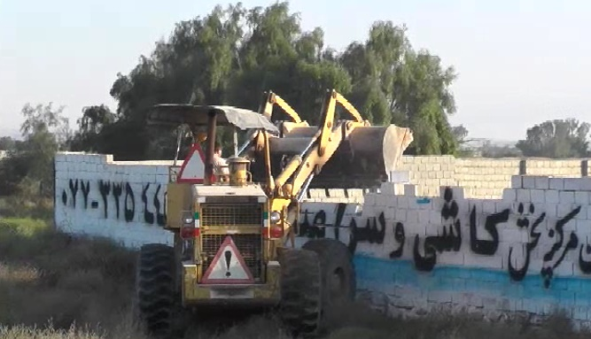 ماجرای تخریب ساخت و سازها در دشتستان چه بود؟